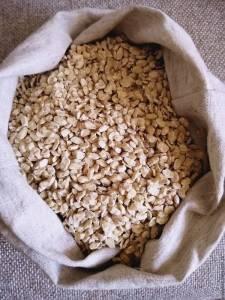 Полезные свойства жмыха кедрового ореха разнообразны